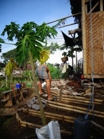 Building a new terrace with waste ceramics and damaged bamboo